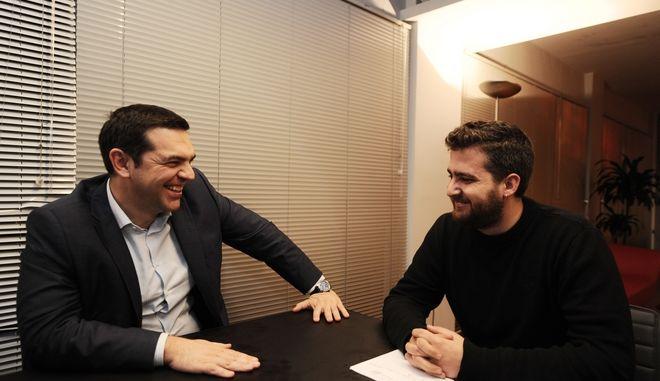 ΑΘΗΝΑ-Ο Πρωθυπουργός  Αλέξης Τσίπρας συναντήθηκε με τον νέο Γραμματέα του Κ.Σ. της Νεολαίας ΣΥΡΙΖΑ  Ιάσονα Σχινά-Παπαδόπουλο.(EUROKINISSI-ΜΠΟΛΑΡΗ ΤΑΤΙΑΝΑ )