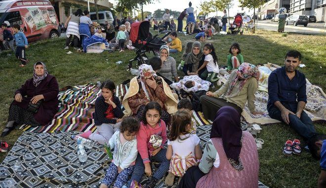 Σεισμός στην Κωνσταντινούπολη: Τα πλάνα του τρόμου