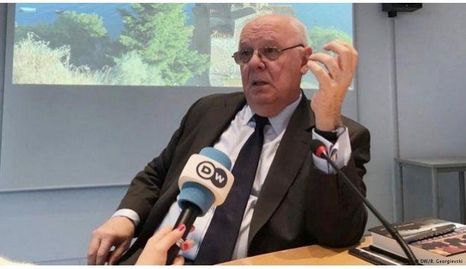 """Πάρντιου: """"Μαγική στιγμή"""" για επίλυση του Σκοπιανού"""