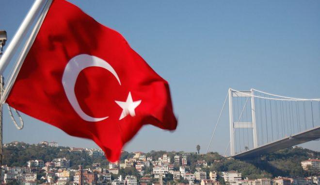"""Τα αναπάντητα ερωτήματα για την κρίση στην Τουρκία. Θέλουν στο καναβάτσο τον """"Ερντογάν"""";"""
