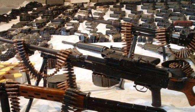 Λεωφορεία γεμάτα όπλα και πυρομαχικά στα Άδανα