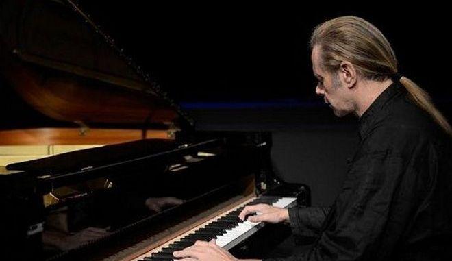 Στέφανος Κορκολής: 'Στη μουσική δεν υπάρχουν πρέπει'