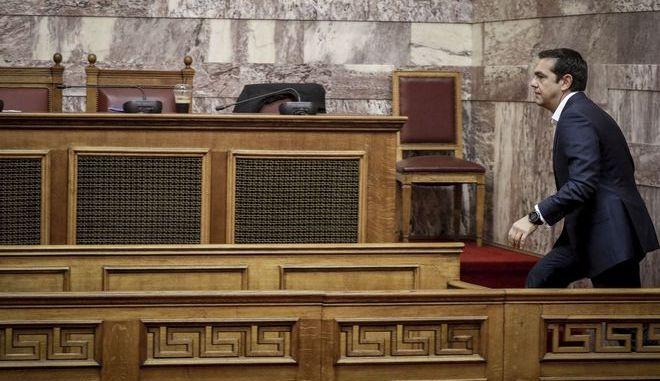 Ο Αλέξης Τσίπρας στη συνεδρίαση της Κοινοβουλευτικής Ομάδας του ΣΥΡΙΖΑ
