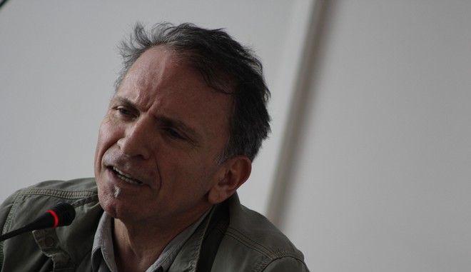 O φωτορεπόρτερ Γιάννης Μπεχράκης