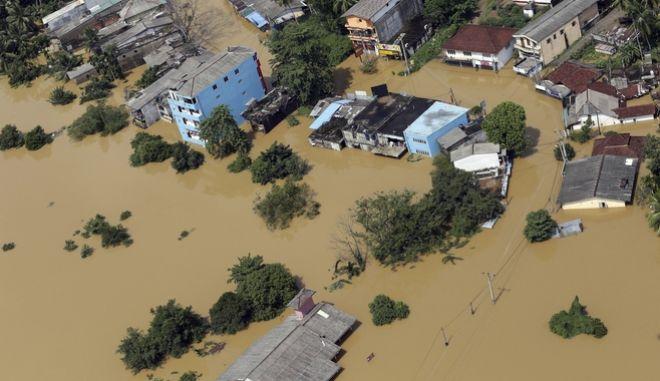 Φονικές πλημμύρες στη Σρι Λάνκα