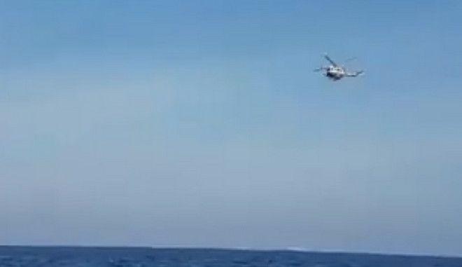 Βίντεο: Η πτήση-πρόκληση του τουρκικού ελικοπτέρου πάνω από τα Ίμια