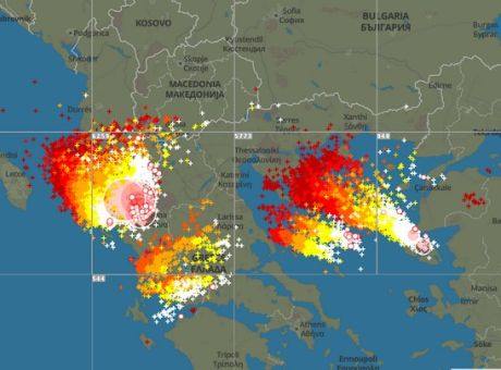 """Κακοκαιρία: Πάνω από 5.000 κεραυνοί """"χτύπησαν"""" την βόρεια Ελλάδα"""