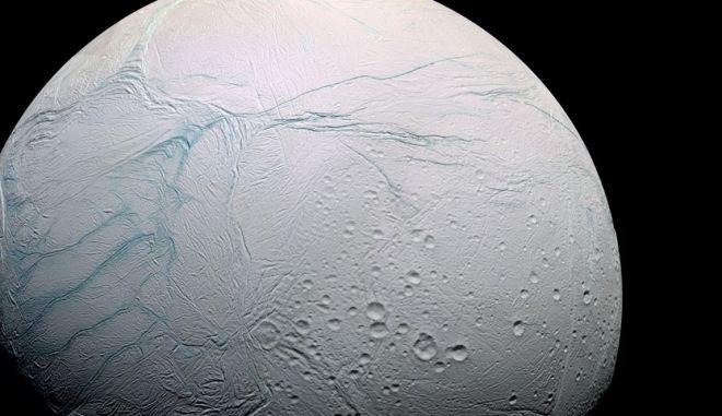 Σημαντικά ευρήματα στον Εγκέλαδο του Κρόνου. Πιο κοντά η αναζήτηση εξωγήινης ζωής