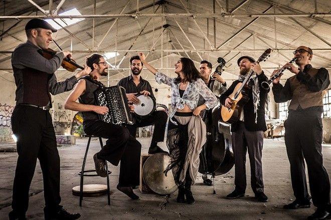 Η Barcelona Gipsy balKan Orchestra θα