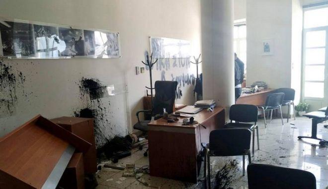 Επίθεση στο γραφείο του Αυγενάκη για τον Κουφοντίνα