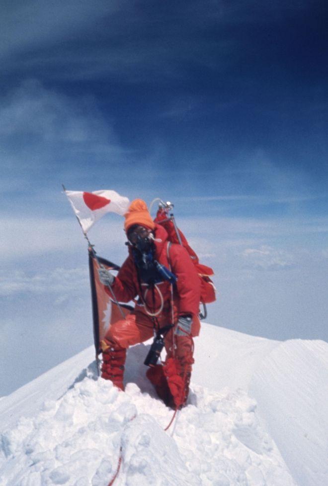 Η Junko Tabei στην κορυφή του Έβερεστ