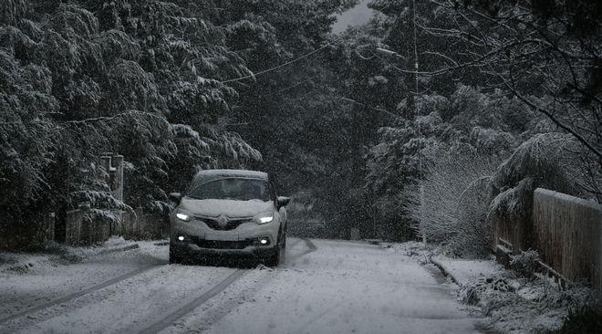 Χιόνια στο δήμο Διονύσου