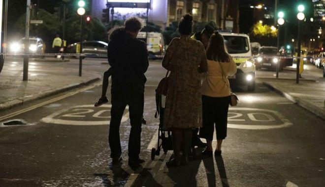 Επίθεση στο Λονδίνο: Σοκαριστικές μαρτυρίες.'Μαχαίρωναν όποιον έβρισκαν. Τους πετούσαμε καρέκλες'