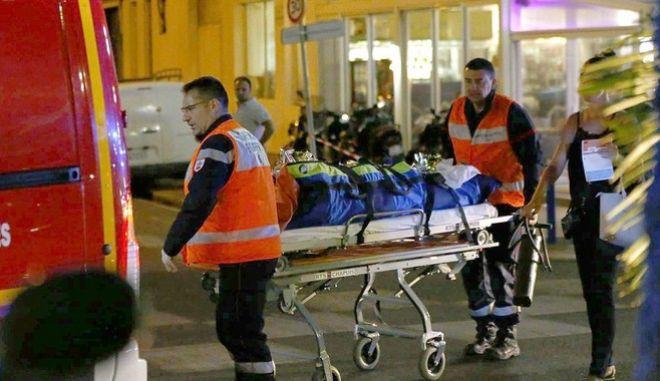 Νίκαια: Σκοτώθηκε προστατεύοντας την 7 μηνών έγκυο σύζυγό του