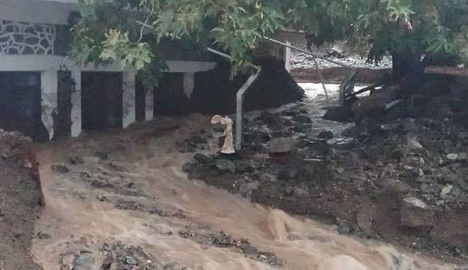 Βιβλική καταστροφή στη Σαμοθράκη: Κομμένοι δρόμοι. Μεγάλες ζημιές σε κτίρια