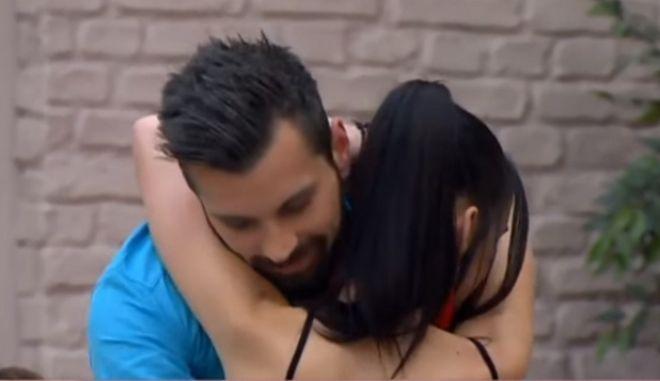 Power Of Love: Ο Ανδρέας έκανε την Τζούλια να κλάψει και οι κοπέλες τον έδιωξαν από το παιχνίδι