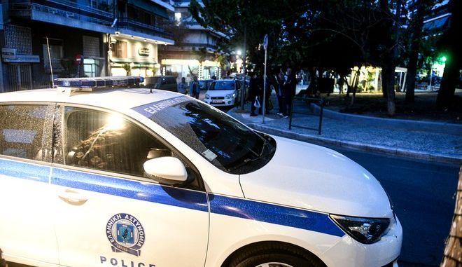 Ισχυρές δυνάμεις της αστυνομίας στην πλατεία Βαρνάβα