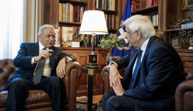 Συνάντηση του Προέδρου της Δημοκρατίας Προκόπη Παυλόπουλου, με τον Επίτροπο Μετανάστευσης Εσωτερικών Υποθέσεων και Ιθαγένειας, Δημήτρη Αβραμόπουλο την Δευτέρα 30 Σεπτεμβρίου 2019.