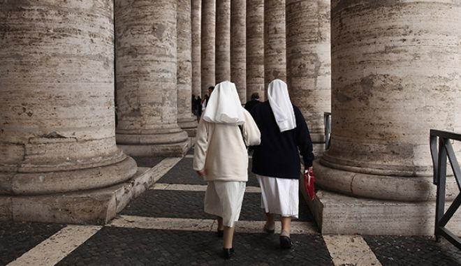 Ρώμη: Δυόμιση μέρες έμεινες κλεισμένες σε ανελκυστήρα δύο μοναχές