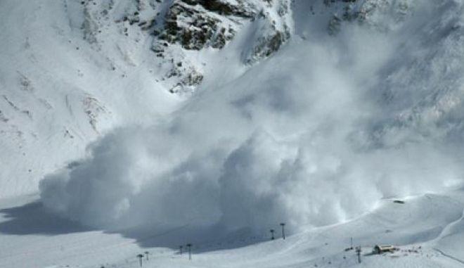 Νεκρός τουρίστας από χιονοστιβάδα στις Άλπεις, στο έλεος της κακοκαιρίας η Ιταλία