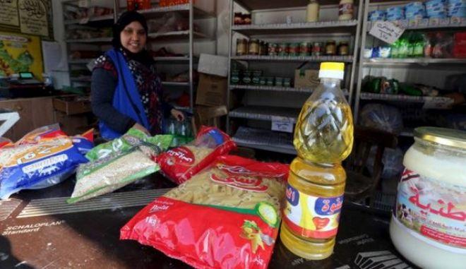 Ελλείψεις βασικών τροφίμων για τους φτωχούς καταναλωτές στην Αίγυπτο