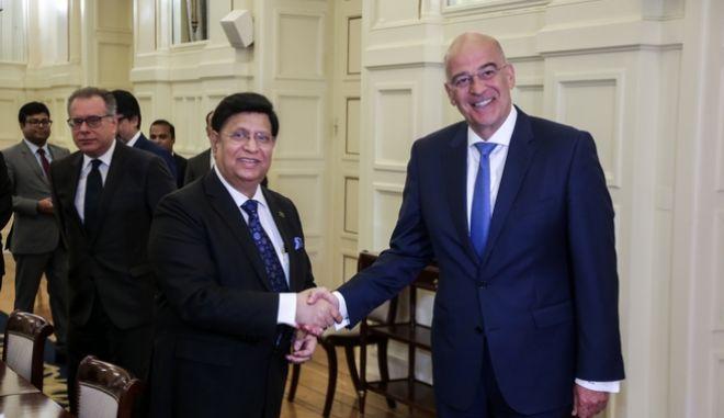 Συνάντηση του υπουργού Εξωτερικών Νίκου Δένδια με τον ομόλογό του Μπαγκλαντές, Αμπούλ Καλάμ Άμπντουλ Μόμεν την Τρίτη 29 Οκτωβρίου 2019. Στη συνάντηση συμμετείχε και ο αναπληρωτής υπουργός Προστασίας του Πολίτη, αρμόδιος για θέματα Μεταναστευτικής Πολιτικής, Γιώργος Κουμουτσάκος. (EUROKINISSI/ΧΡΗΣΤΟΣ ΜΠΟΝΗΣ)