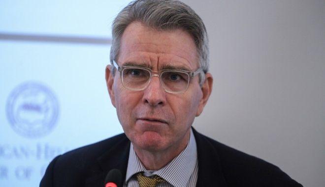 Συνέντευξη τύπου του πρέσβη των ΗΠΑ στην Ελλαδα Τζέφρι Πάιατ και του προέδρου του Ελληνοαμερικανικού Επιμελητηρίου Νίκου Μπακατσέλου για την συμμετοχή των ΗΠΑ στην Διεθνή Έκθεση Θεσσαλονίκης.