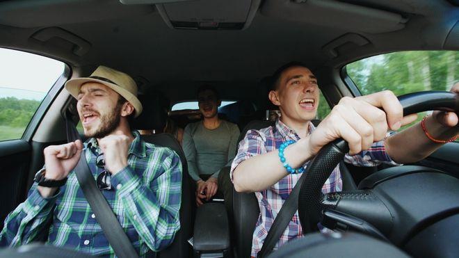 Μουσική στο αυτοκίνητο