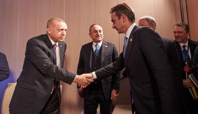 Ο πρωθυπουργός Κυριάκος Μητσοτάκηςμε τον πρόεδρο τηςΤουρκίας Ρετζέπ ΤαγίπΕρντογάν