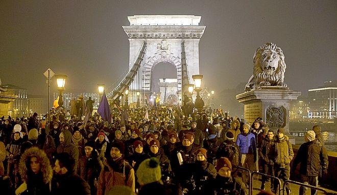 Στιγμιότυπο από τις διαδηλώσεις στην Ουγγαρία