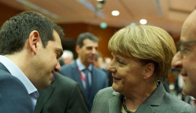 Το Βερολίνο κάνει 'δώρο' στον Τσίπρα. Έρχονται λίστες επώνυμων φοροφυγάδων που ήταν στα αζήτητα