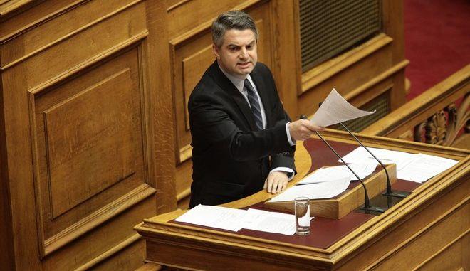 ΑΘΗΝΑ-ΒΟΥΛΗ-Συζήτηση και ψήφιση επί της αρχής, των άρθρων και του συνόλου του σχεδίου νόμου: «Θεσμικό πλαίσιο για τη σύσταση καθεστώτων Ενισχύσεων Ιδιωτικών Επενδύσεων για την περιφερειακή και οικονομική ανάπτυξη της χώρας - Σύσταση Αναπτυξιακού Συμβουλίου και άλλες διατάξεις»// ΣΤΗ ΦΩΤΟΓΡΑΦΙΑ Ο  ΟΔΥΣΣΕΑΣ ΚΩΝΣΤΑΝΤΙΝΟΠΟΥΛΟΣ ΒΟΥΛΕΥΤΗΣ ΠΑΣΟΚ.(EUROKINISSI-ΠΑΝΑΓΟΠΟΥΛΟΣ ΓΙΑΝΝΗΣ)