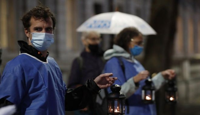 Κορονοϊός: Πάνω από 54.000 θάνατοι στη Μ. Βρετανία σύμφωνα με το Reuters