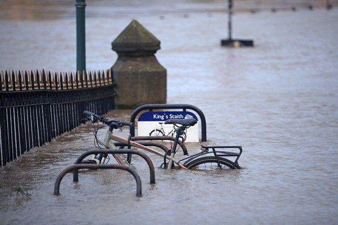 Στιγμιότυπο στην Αγγλία μετά την καταιγίδα Κιάρα