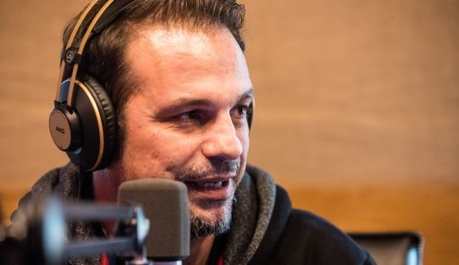 Ο Ντέμης Νικολαΐδης στο στούντιο του Sport24 Radio