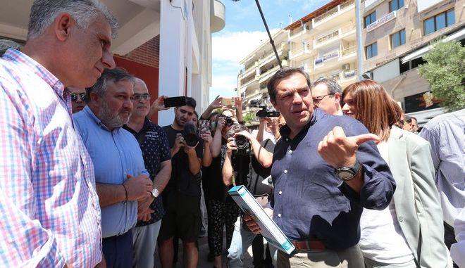 """Τσίπρας σε καταστηματάρχες εστίασης: """"Δεν αντιμετωπίζεται τέτοια κρίση χωρίς ζεστό χρήμα"""""""
