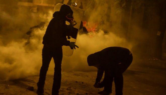 Επεισόδια στα Εξάρχεια μετά το τέλος της πορείας στην επέτειο των δέκα χρόνων από την δολοφονία του Αλέξη Γρηγορόπουλου