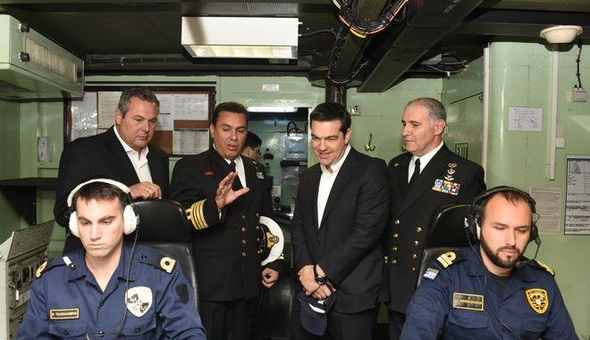 """Επίσκεψη του Πρωθυπουργου Αλέξη Τσίπρα στην φρεγάτα του Πολεμικού Ναυτικού """"Αδρίας"""".(Eurokinissi)"""