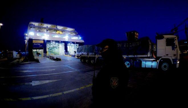 Στιγμιότυπο από το Λιμάνι του Πειραιά