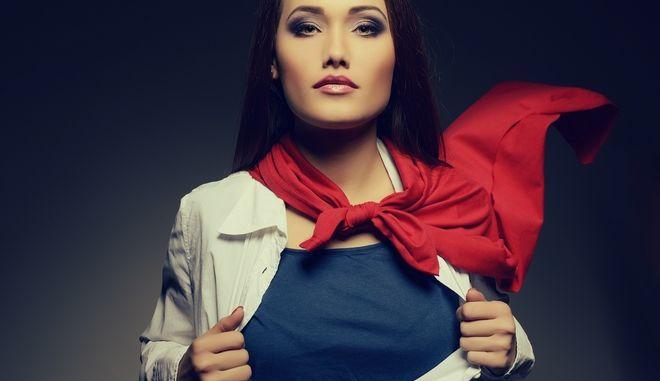 Γυναίκα ηρωίδα