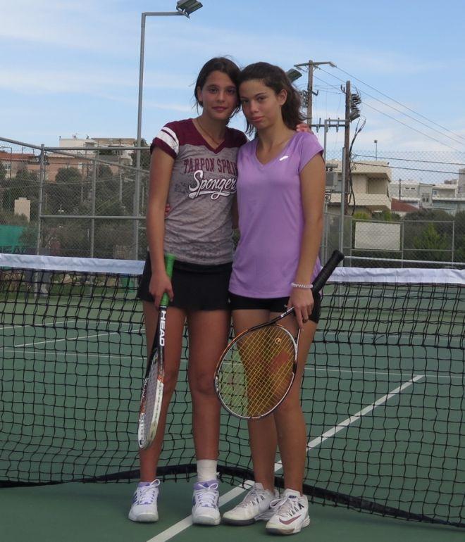 Παγκόσμια Ημέρα της Γυναίκας: Δύο μικρές κυρίες από την Κρήτη διδάσκουν fair play