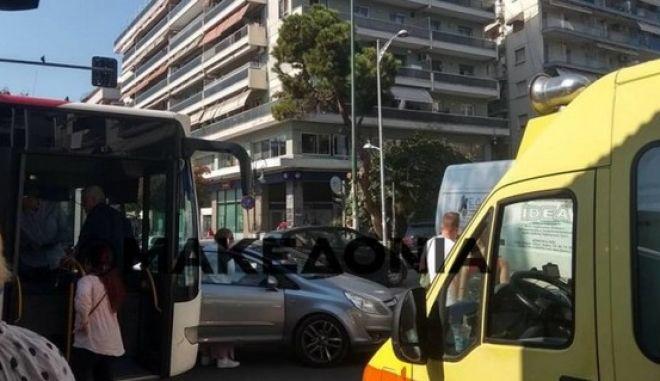 Θεσσαλονίκη: Τρεις τραυματίες σε λεωφορείο του ΟΑΣΘ