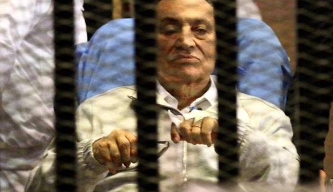 Απελευθερώνεται ο Μουμπάρακ