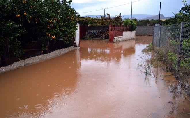 Πλημμύρες και καταστροφές από την κακοκαιρία σε όλη την Ελλάδα