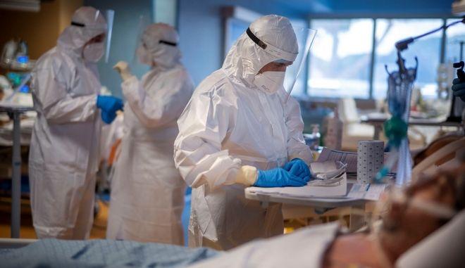 Κορονοϊός: 698 νέα κρούσματα στην Ελλάδα, τα 328 στην Αττική - 26 νεκροί