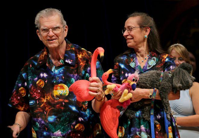 O 'μπαμπάς' των pink flamingos είχε (μαζί με την γυναίκα του) το πιο παράξενο 'κόλλημα'
