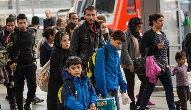 Αριθμός ρεκόρ μεταναστών στην Ευρώπη. Τρεις στους τέσσερις από αυτούς έφτασαν στην Ελλάδα