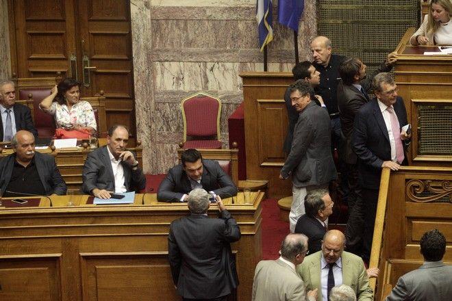Συζήτηση στην Ολομέλεια για την ψηφοφρία του τρίτου Μνημονίου την Παρασκευή 14 Αυγούστου 2015. (EUROKINISSI/ΓΙΩΡΓΟΣ ΚΟΝΤΑΡΙΝΗΣ)