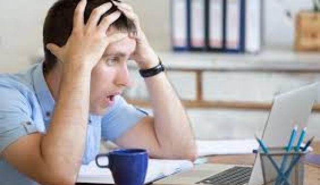 Έρευνα: 6 στους 10 Έλληνες online shoppers υποφέρουν από cyberchondria!
