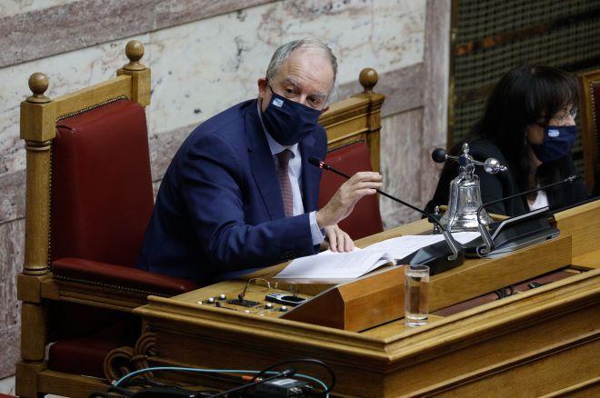 Ο αιφνιδιασμός του Τσίπρα στην Βουλή και γιατί έγινε